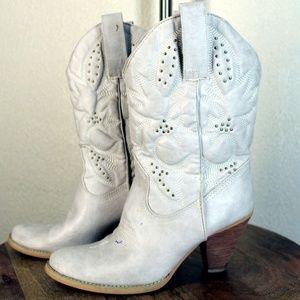 Very Volatile || White Beaded DENVER Cowboy Boots